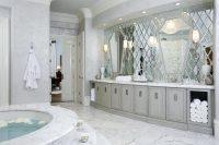 Зеркальную плитку можно сделать на заказ нужной формы и размеров