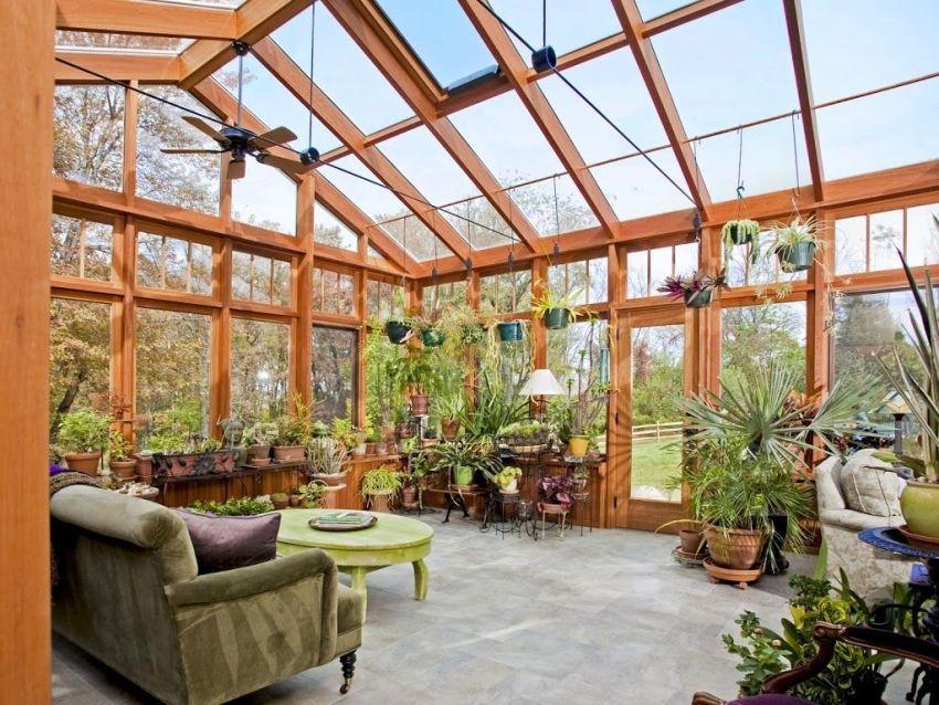 Зимний сад можно назвать промежуточной зоной между жилым помещением и природной средой