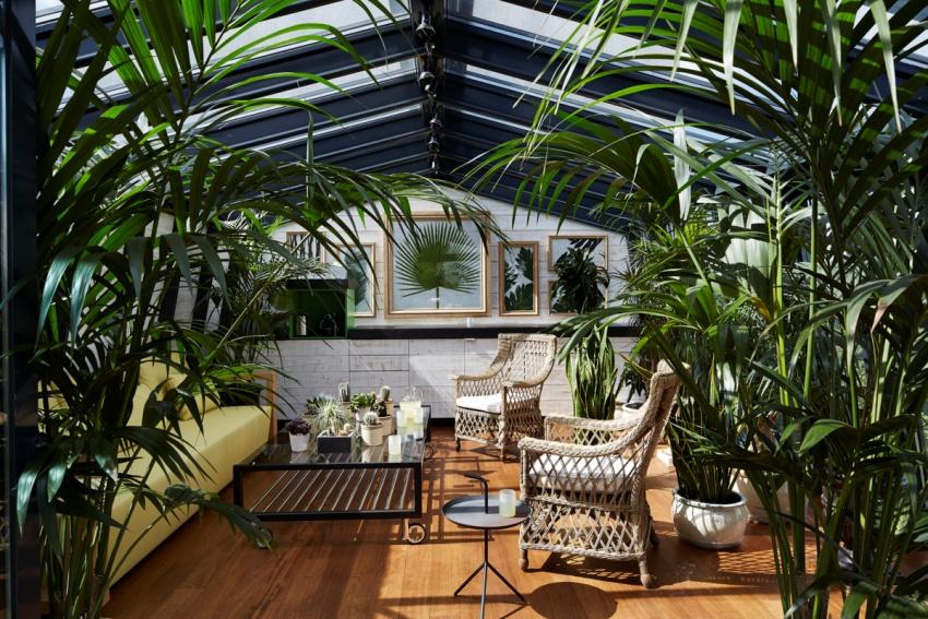Крыша зимнего сада является важной архитектурной деталью, которая преобразует пространство помещения