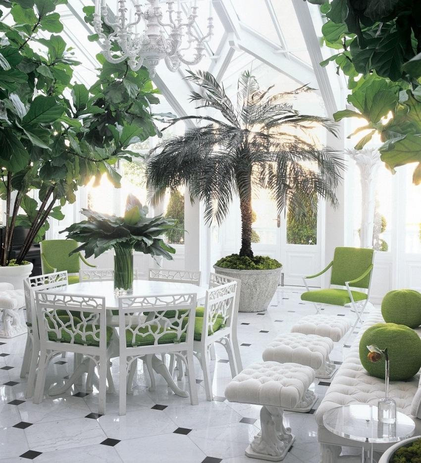 Главным отличием классических зимних садов является высокая многокаскадная остекленная крыша