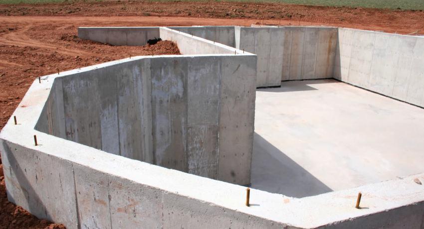 ФБС блоки имеют сплошное прямоугольное сечение и петли, облегчающие процесс транспортировки и укладки