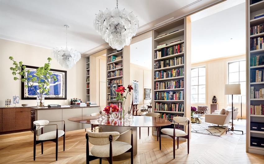 Мебель должна гармонично сочетаться с планировкой квартиры, наличием и размещением встроенного оборудования, вписываться в общую цветовую гамму жилища