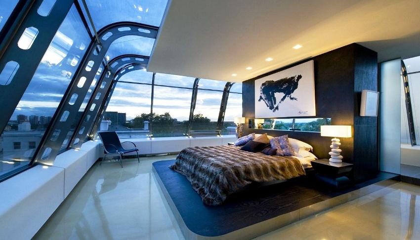На основе стиля хай-тек дизайнерам удается создавать уютные и оригинальные интерьеры
