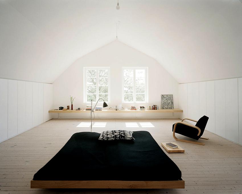 Дизайн спальни в японском стиле необходимо тщательно продумать, так как интерьер должен быть осмысленным и функциональным