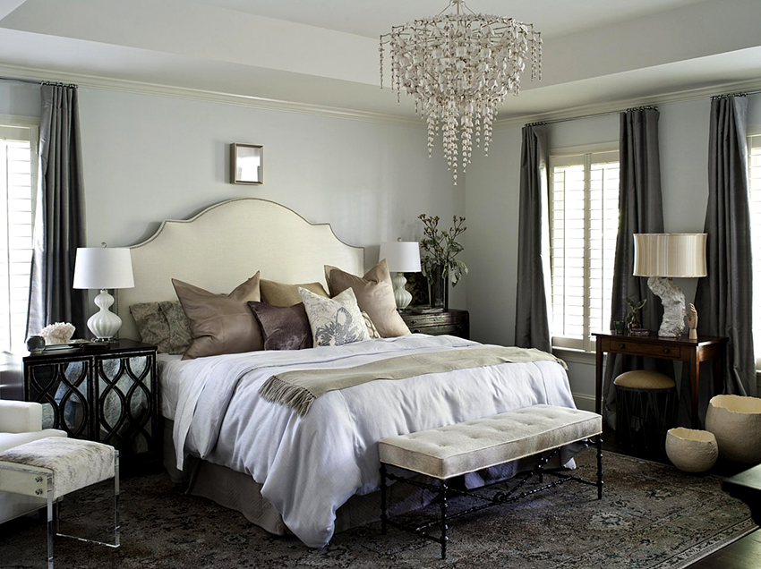 A large chandelier is an indispensable element in classical design