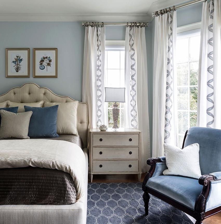 Комод является незаменимым элементом в интерьере любой спальни