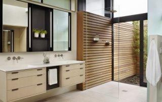 Душевое ограждение из стекла без поддона: комфортное решение для ванной комнаты