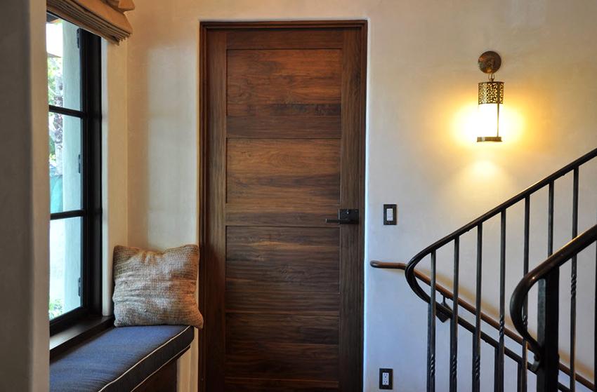 Для наполнения дверей из ПВХ используют картон, МДФ или ДСП