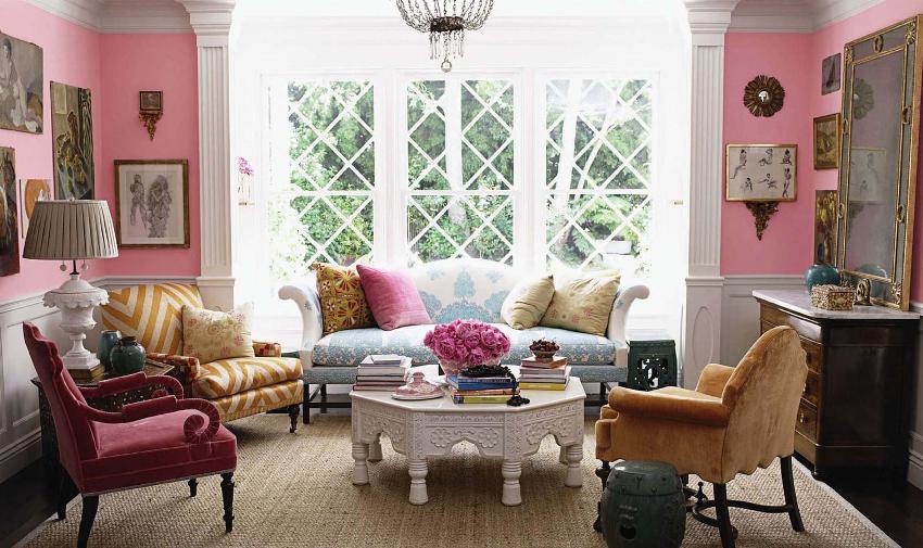 Натуральные ткани, природные материалы и светлые цветовые решения с вкраплениями ярких оттенков на стенах - это основа стиля прованс