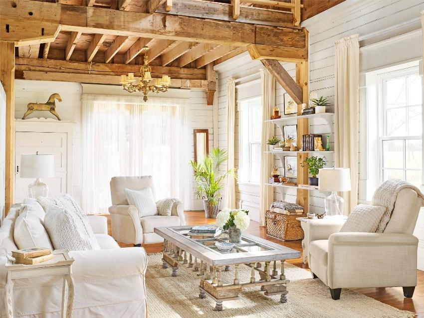 Довольно часто для отделки стен в стиле прованс используют облицовочную доску окрашенную в белый цвет
