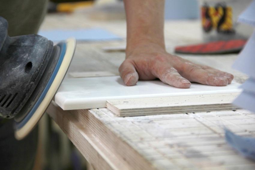 Процесс шлифовки можно начинать только после полного высыхания материала