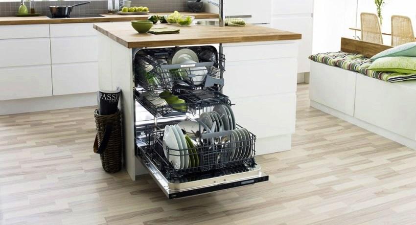 Перед тем, как купить посудомоечную машину, следует обдумать не только ее габариты и размещение, но и количество необходимых функций