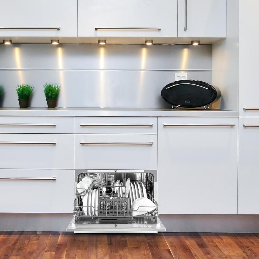 От габаритов посудомоечной машины напрямую зависит максимальная загрузка