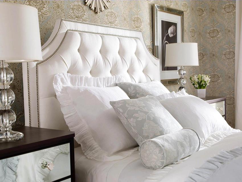 При выборе кровати с мягкой спинкой, в первую очередь, нужно опираться на вкусовые предпочтения