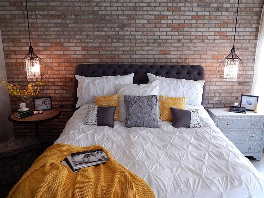 Кровати с мягким изголовьем могут быть не только двуспальными, но также односпальными и полуторными