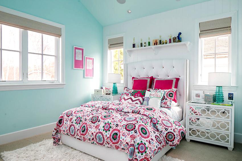 Купить кровать с мягким изголовьем можно не только в мебельном магазине, но также через интернет