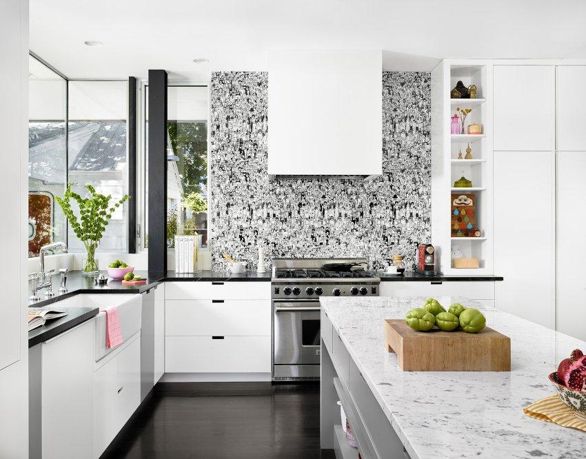 Кухня относится к помещениям со сложными условиями, по этому требования к материалам для отделки высокие