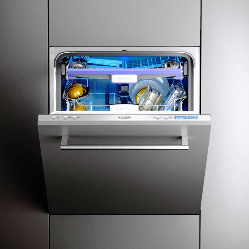 Компактная посудомоечная машина значительно экономнее расходует воду, чем это делает домохозяйка в процессе ручной мойки