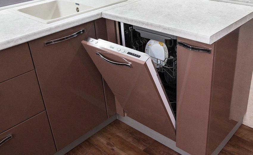 Функциональные возможности узких посудомоечных машин вполне полномерны, сравнимо с агрегатами стардартной ширины
