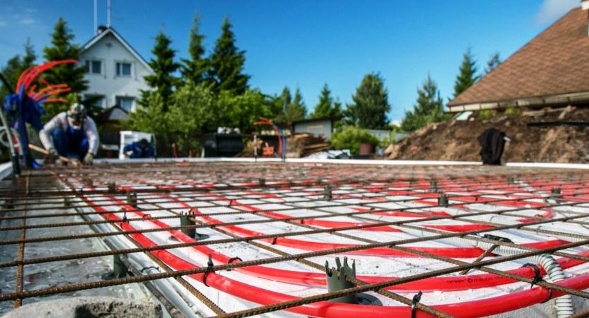 УШП представляет собой сочетание ленточного основания и бетонного пола, именно поэтому такой тип основания требует точности расчетов и соблюдения четкой технологии при возведении