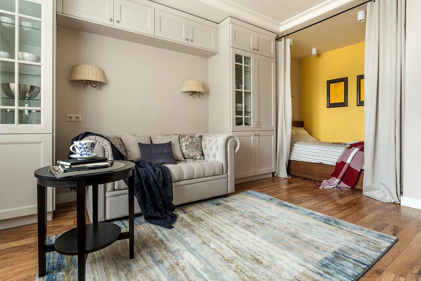 Для создания цветового зонирования можно покрасить стены в разные оттенки