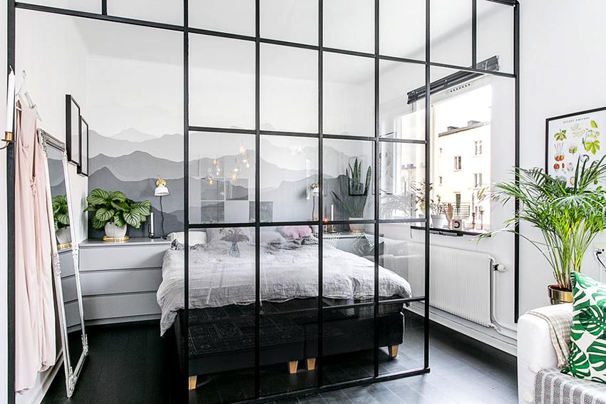 Перегородки для зонирования комнаты могут быть стационарными и передвижными