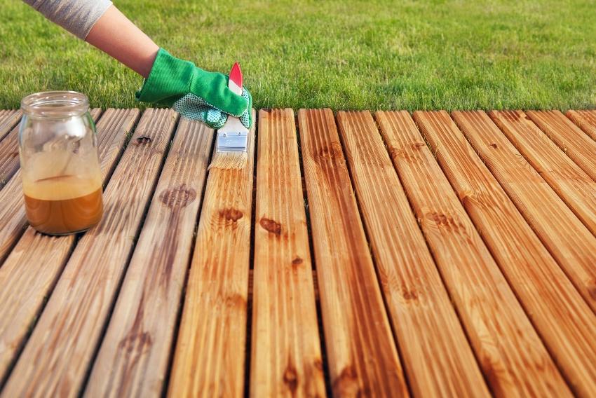 Раствор защищает деревянные конструкции от влаги и осадков, перепадов температуры и насекомых