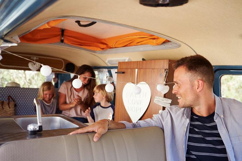 Дом на колесах - идеальный вариант для поездок всей семьей