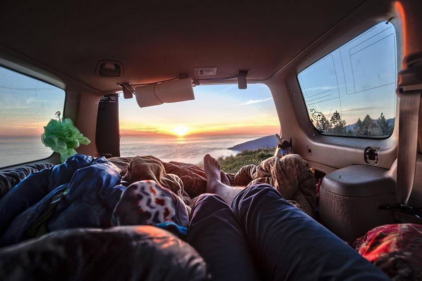 Дом на колесах дает свободу передвижения и позволяет отдыхать с максимальным комфортом везде, где есть для этого место