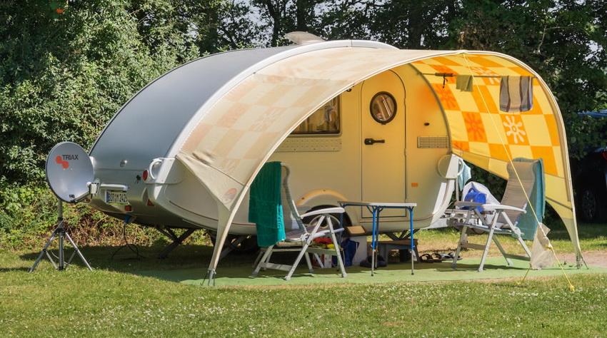 Стоимость прицепа-палатки будет зависеть от его габаритов и количества спальных мест