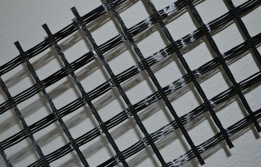 Кладочная сетка из базальтовых волокон обладает высокой износостойкостью и долговечностью по сравнению с другими материалами