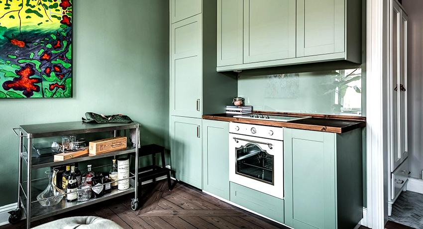 Подбирая размер духовки необходимо учитывать габариты кухни и количество проживающих людей