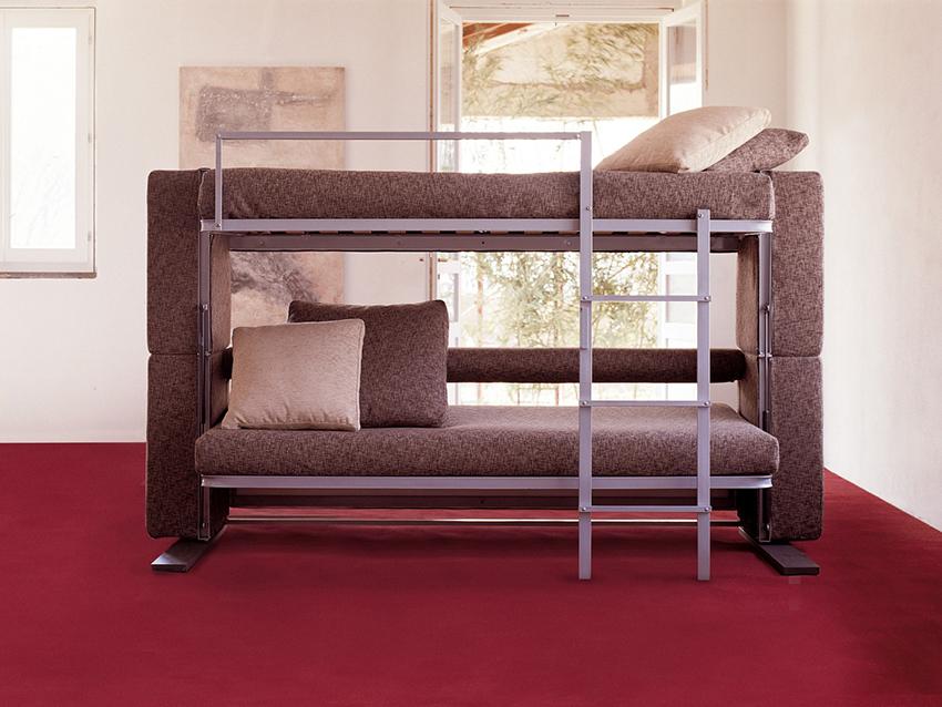 Для наполнения подушек, подлокотников и валиков используют синтепон, синтепух или холлофайбер
