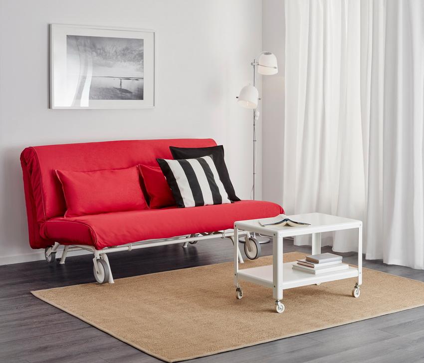 ИКЕА предлагает очень простые и удобные конструкции диванов трансформирующихся в кровать