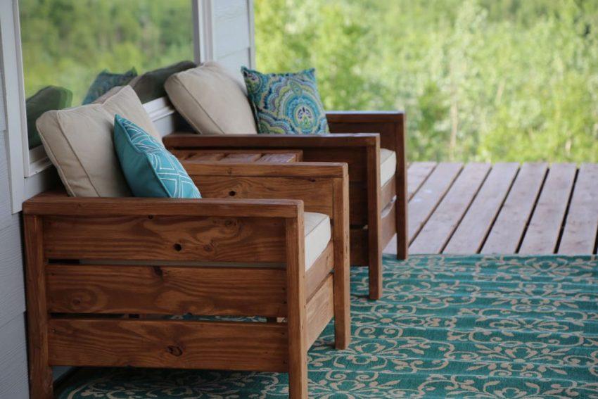 Готовые кресла необходимо дополнить мягкими сидениями и подушками для более комфортного использования