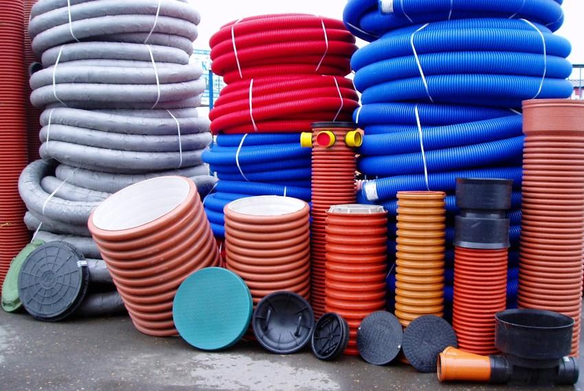 Важно учитывать затраты не только на колодезные кольца, но и на люки и другие расходные материалы