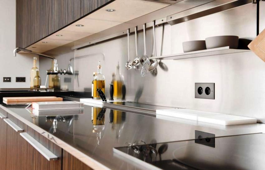 Количество розеток на кухне должно соответствовать числу бытовой электротехники находящейся в ней