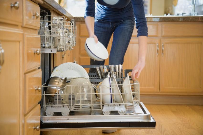 При надлежащем использовании и уходе, посудомоечная машина прослужит долго без сбоев и неполадок