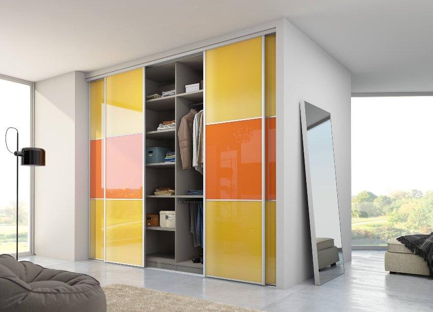 Правильное наполнение шкафа-купе – это гарантия большой вместимости и удобства помещения