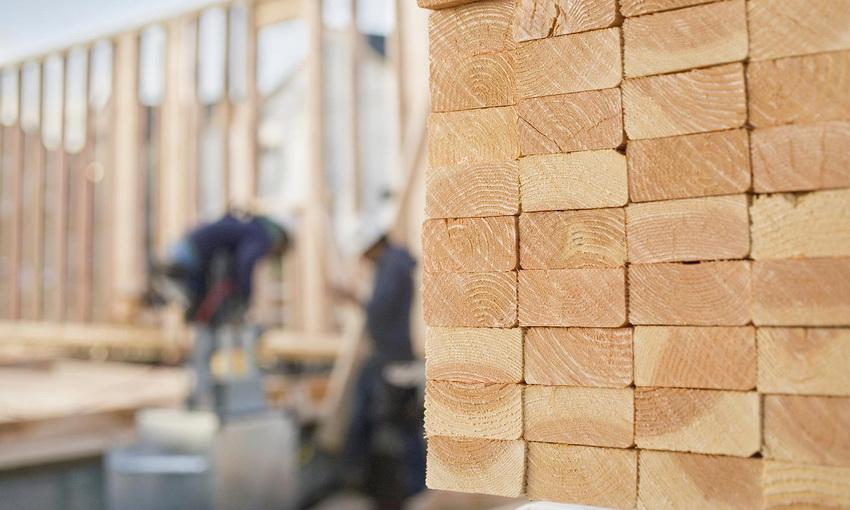 Конечная стоимость готовой постройки из дерева зависит от количества материала и его качества