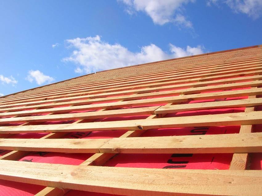 Практически вся продукция из древесины: обрезной пиломатериал, строганный, конструкционный и т.д. измеряется в кубах (кубических метрах)