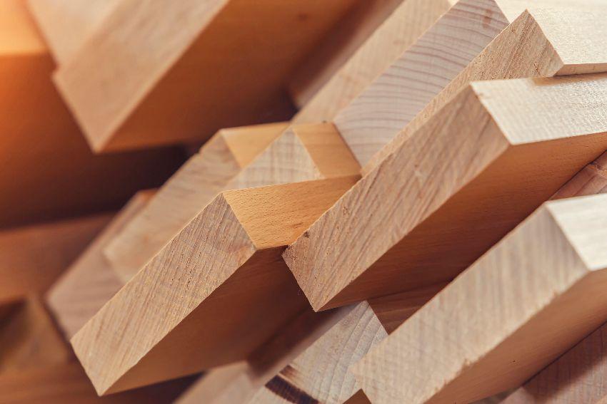 Пиломатериал 1-го сорта, выполненный в соответствии с техническими условиями, стоит в среднем около 7000 руб. за куб