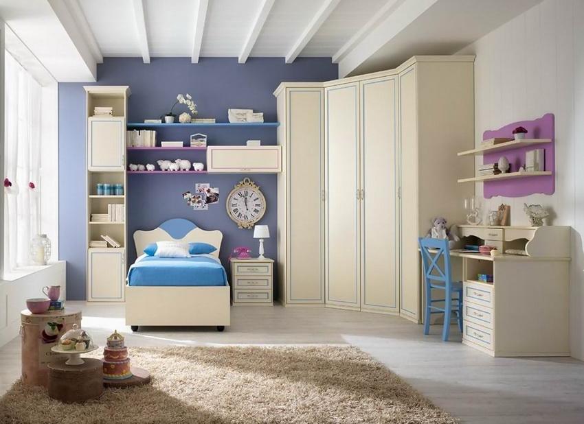 Наилучший вариант покупки шкафа - в комплекте со всей остальной мебелью для спальни