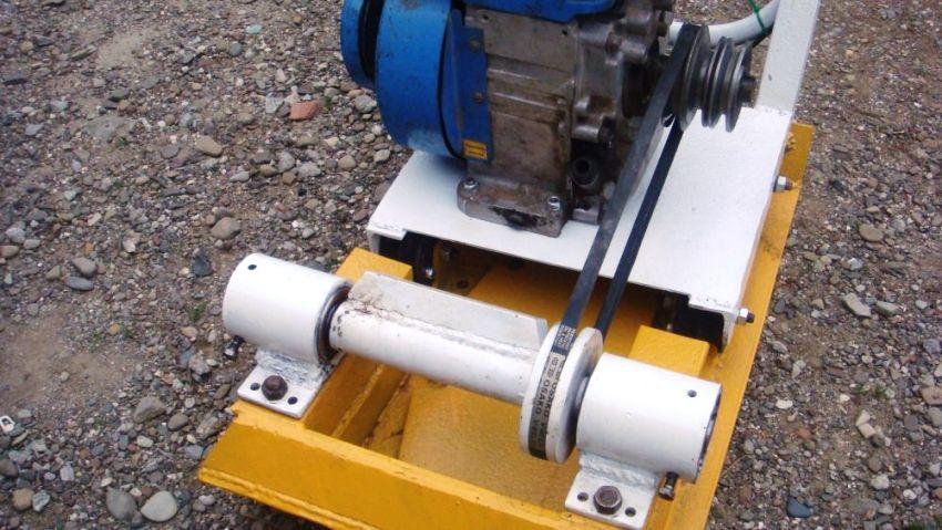 Не желательно перегружать двигатель самодельной виброплиты утрамбовывая чересчур сильно или двигаясь слишком быстро