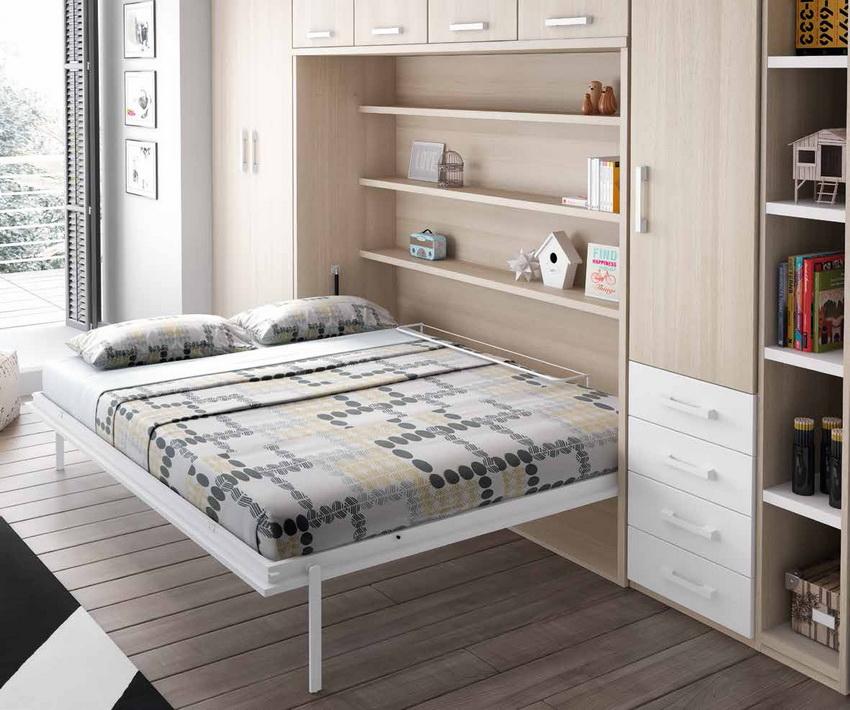 Откидная кровать встроенная в шкаф бесценное решение, когда совсем не хватает места в комнате