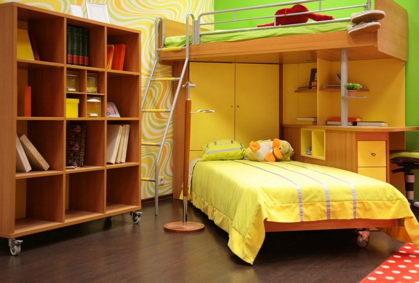 Модульные кровати со шкафом и столом позволяют рационально использовать пространство в детской комнате