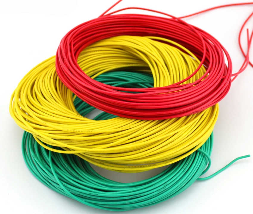 Для расчета размера сечения медного кабеля, нужно будет подсчитать количество бытовых приборов и потребляемую ими мощность
