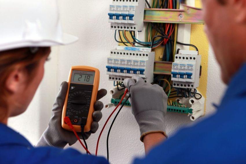Чтобы проверить правильность выполненной работы по замене электропроводки, нужно использовать специальный тестер