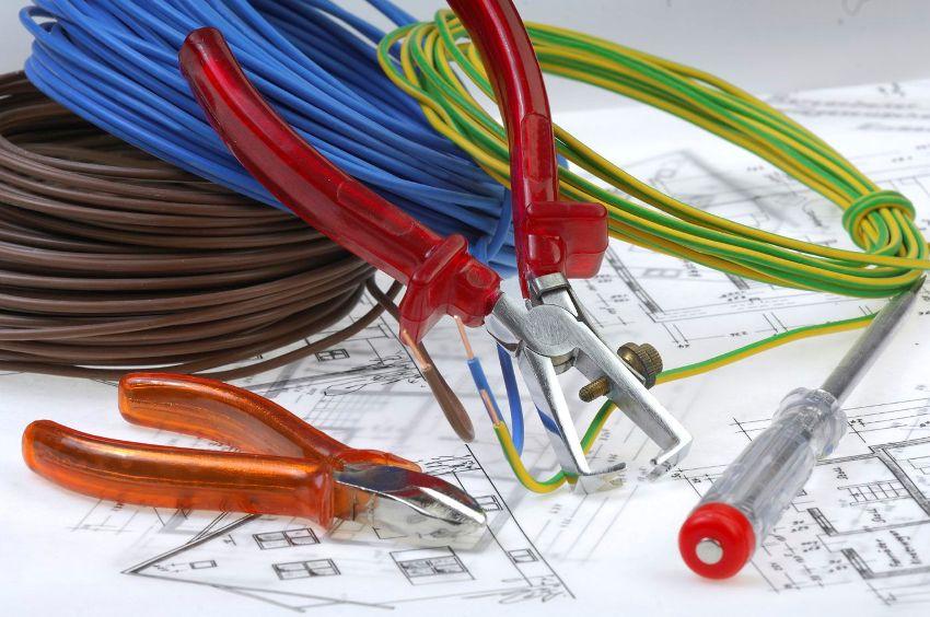 Для создания системы электрообеспечения квартиры необходимо вначале создать ее проект