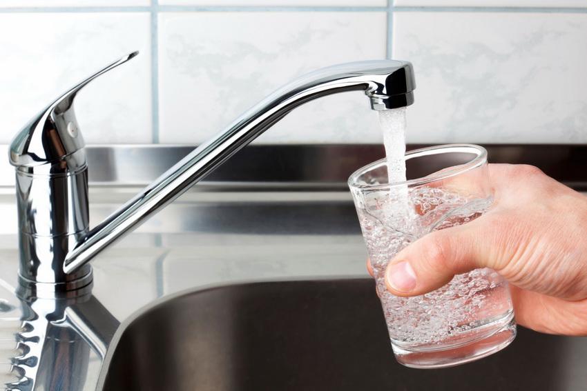 Поскольку артезианская вода залегает очень глубоко, это обуславливает в ней наличие всех необходимых для организма минералов и микроэлементов